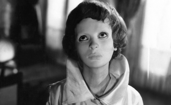 EYES WITHOUT A FACE film still