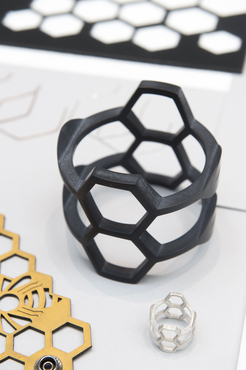 A 3D printed bracelet created in the Wearable Art and Design class.